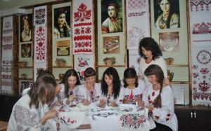 Запрошуємо на майстер-клас з української вишивки!