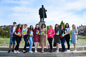 Філологи вшанували 158-річницю перепоховання  Тараса Шевченка в Україні